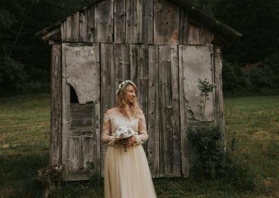 Beautiful bride 2Lindens Photography