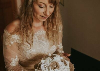 Danijela&DanyWedding-bride with a bouquet 2Lindens Photography