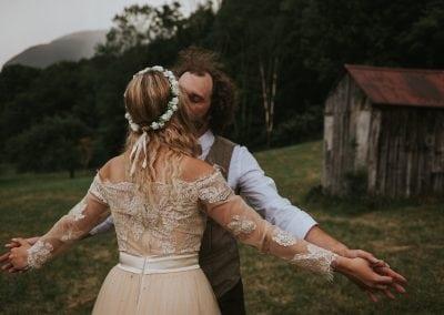 Newlyweds 2Lindens Photography